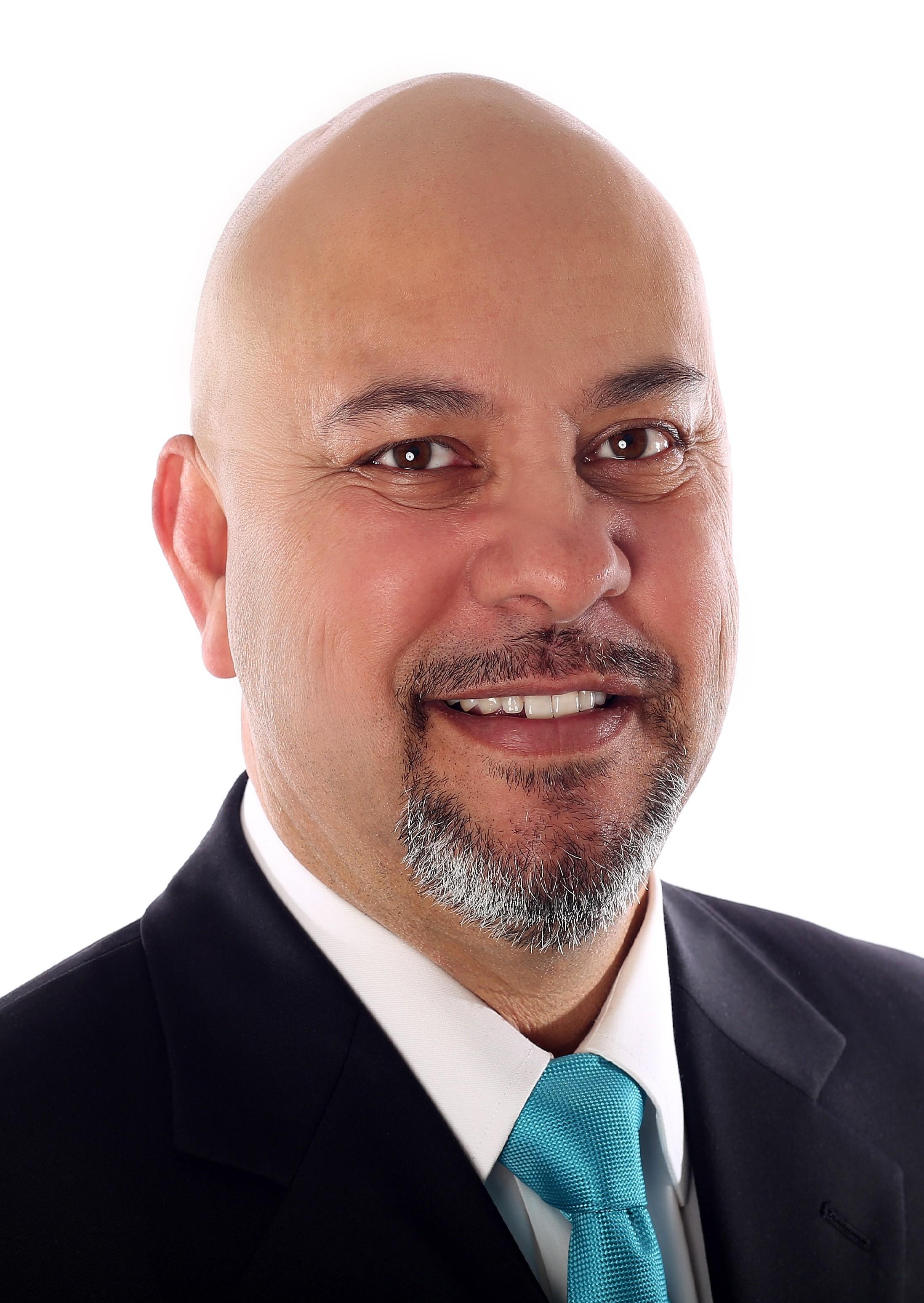 Elias Elizaldez, Associate Broker