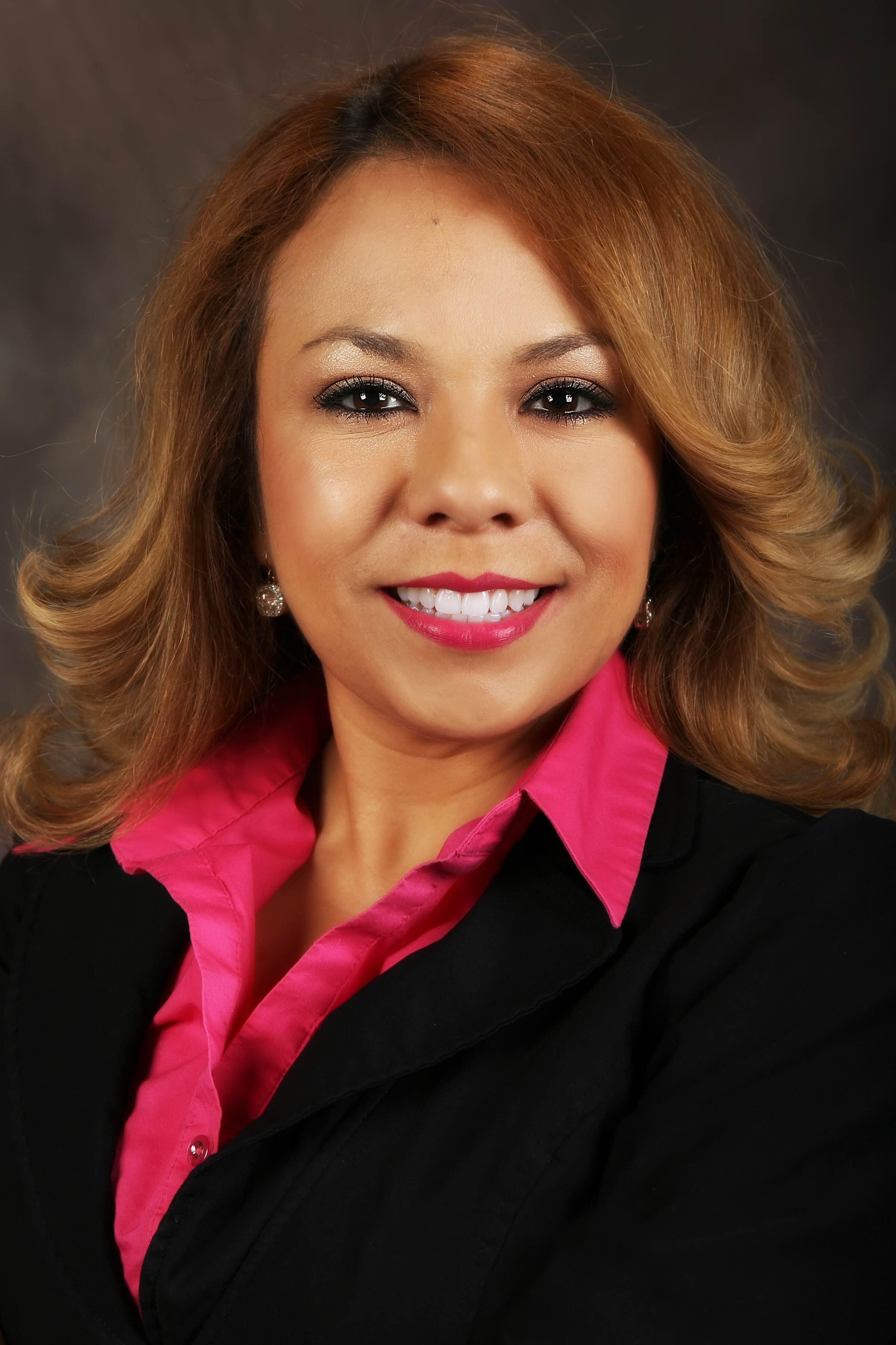 Leticia Rodriguez-Flores, Associate Broker